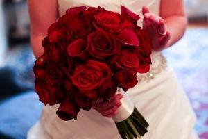 ramos de novia, rosas rojas, enabodate, flores de temporada, wedding planner