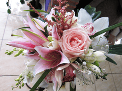 ramos de novia, flores de temporada, lirios, enabodate, wedding planner