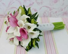 ramos de novia, calas, flores de temporada, enabodate, wedding planner