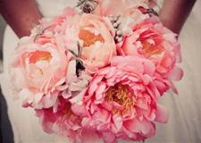 ramos de novia, flores de temporada, peonias, wedding planner, enabodate