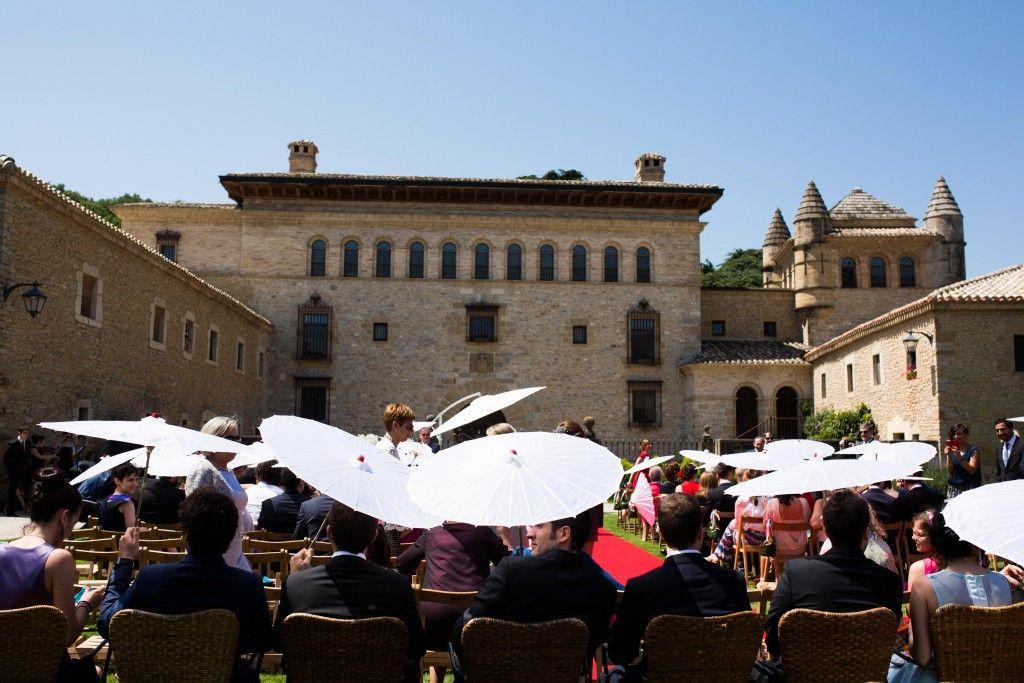 summer wedding, boda verano, abanicos, sombrillas, sombreros, calor